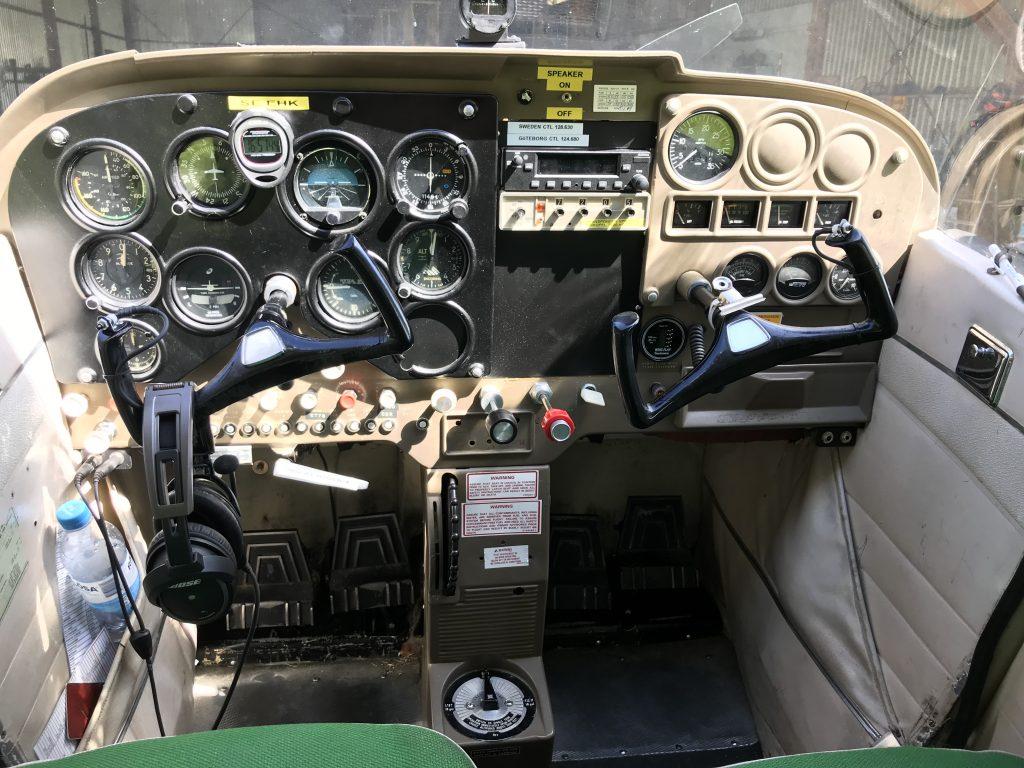 Cockpit i SE-EHK